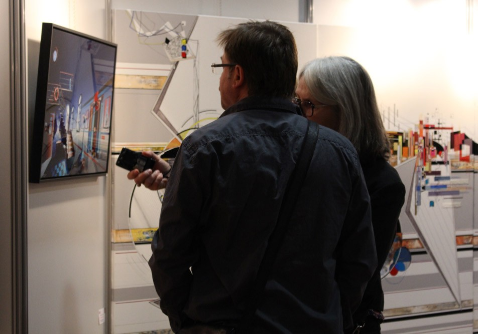 Vernissage du 43ème salon d'automne de Colomiers - Discussion devant une peinture